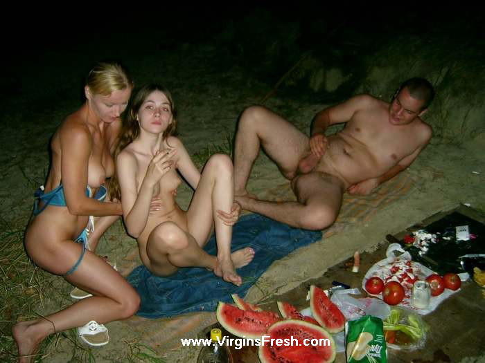 порно фото частное в лесу