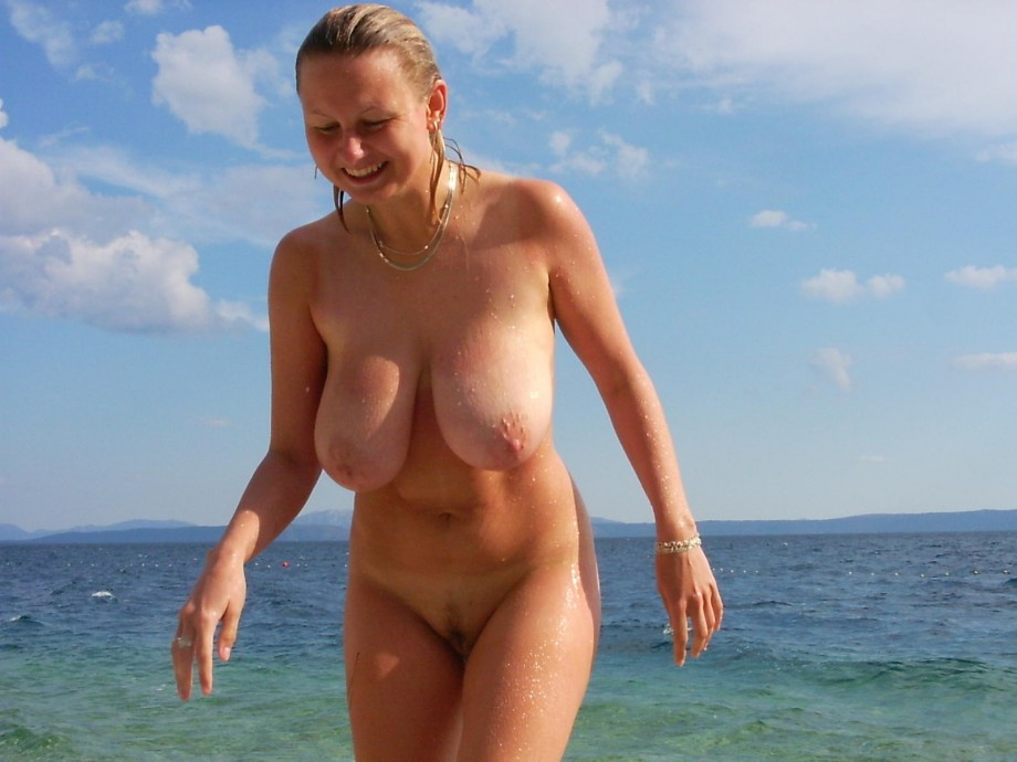 Russian Topless Girl on Vacation, Free HD Porn cb xHamster