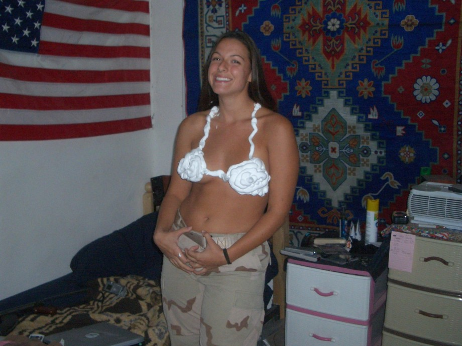 wife-naked-female-soldier-pics