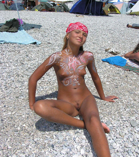 Bath nudist body painting