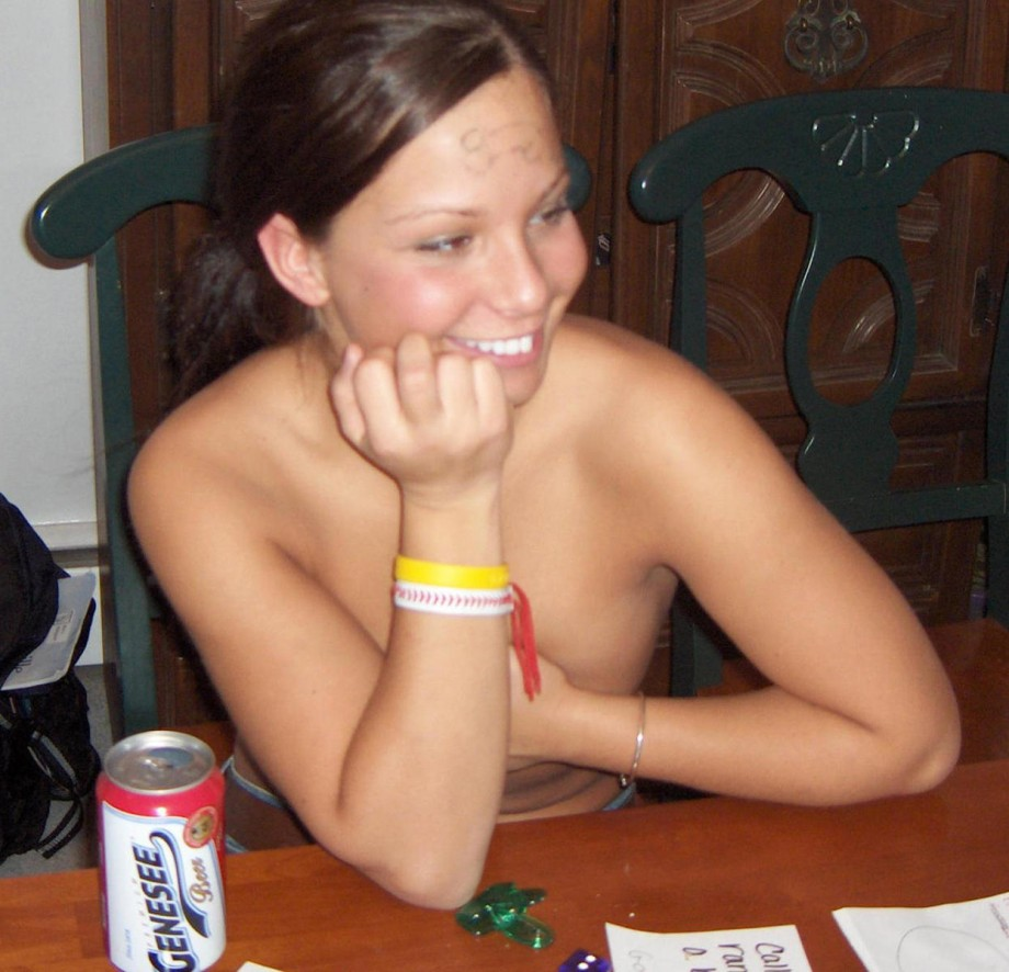 strip poker college Amateur