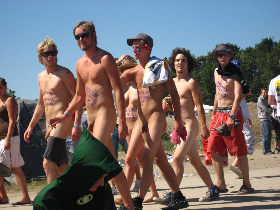 Gallery: Roskilde naked run 2006 | Picture: 168229 | index.php?goto ...: share-image.com/gallery/roskilde-naked-run-2006/168229