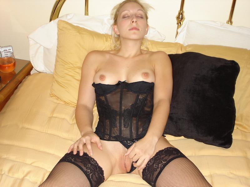 Girl in corset porn