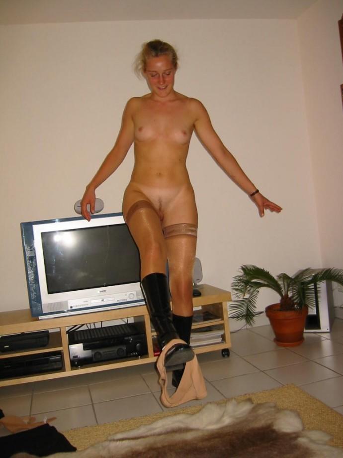 Nackt zu Hause Bilder
