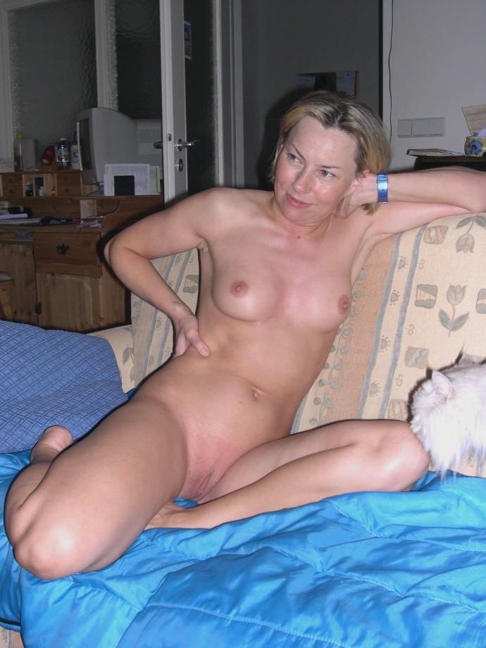 фото голых женщин из домашнего альбома