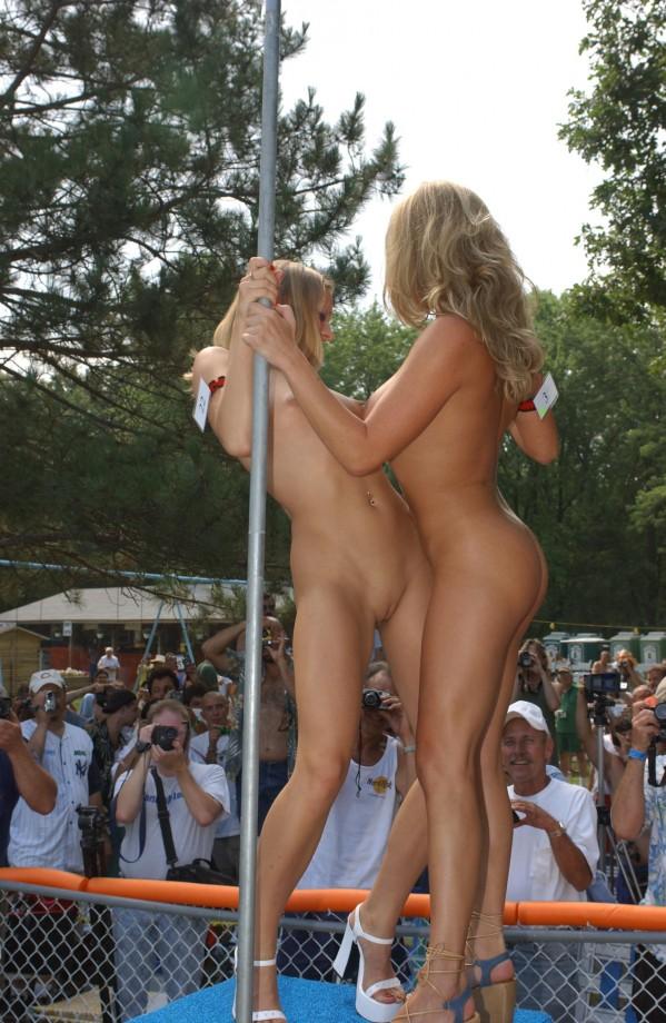 videos of women stripping nude № 64126
