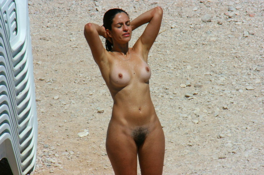 Фото голых девушек с тонкой талией и широкими бедрами 3 фотография