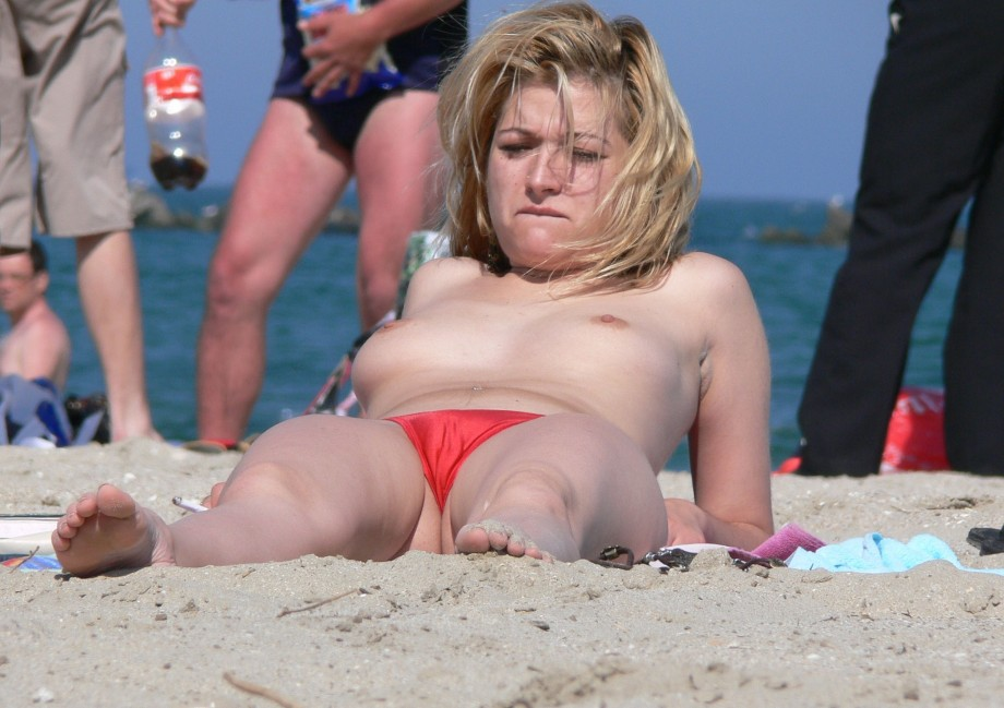 amateur picture 257334 gallery beach topless cameltoe 2