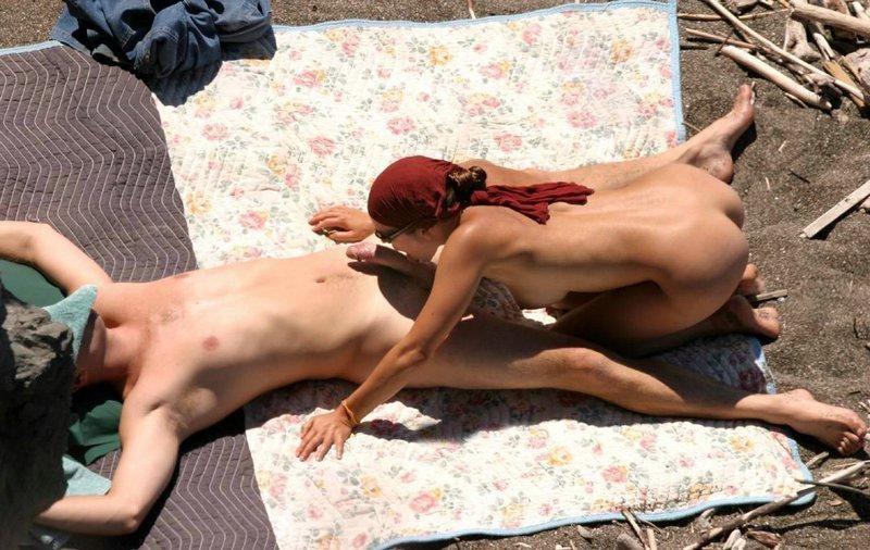 minet-nudisti-plyazh