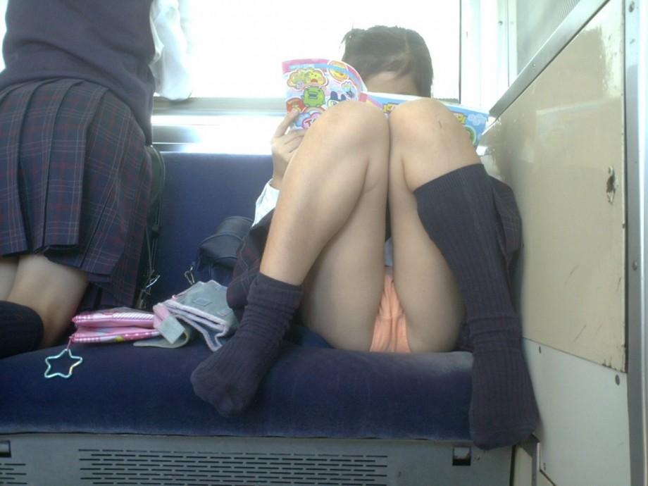 Смотреть порно японок в автобусе онлайн 13 фотография