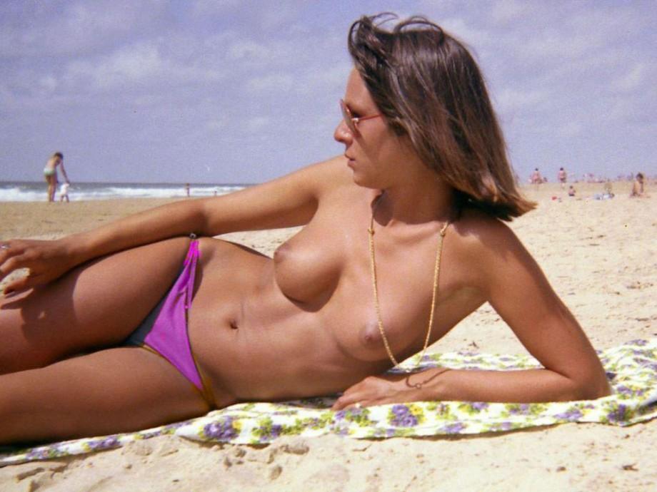 beach Amateur topless