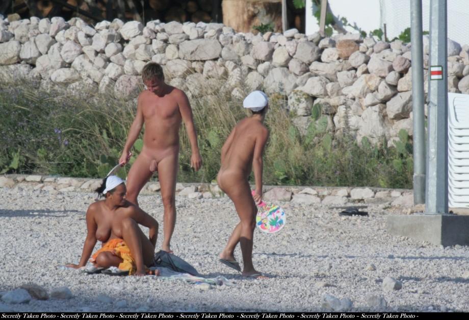 Sexy dd tits nude