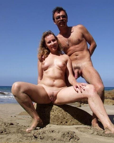 Couples living nude on camera