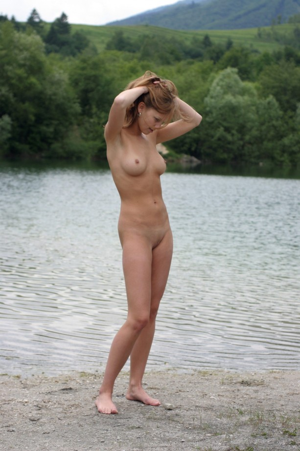 pictures of black naked women breasts