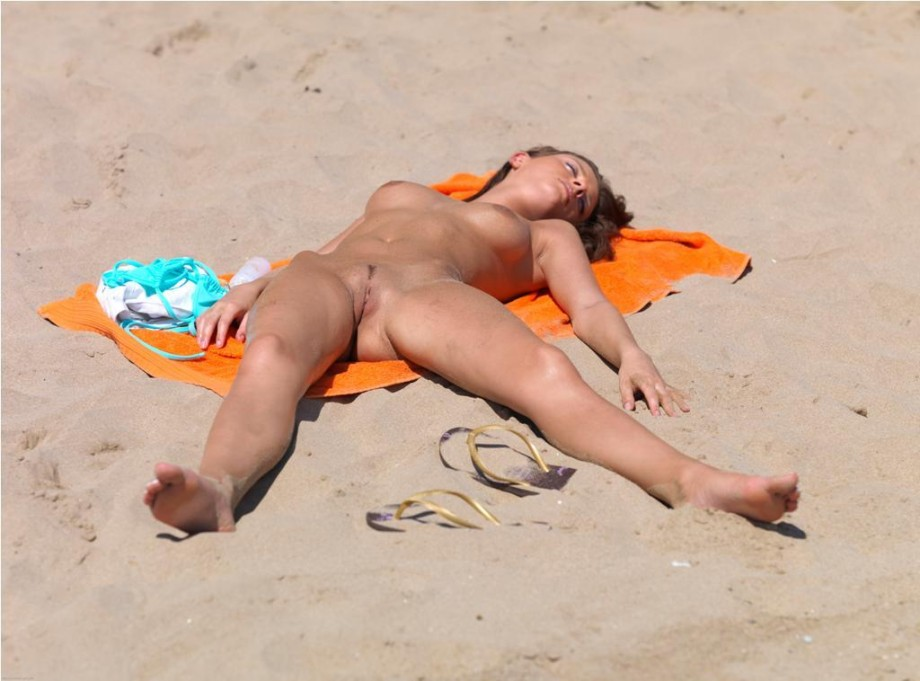 nude beach girls pictures № 7243