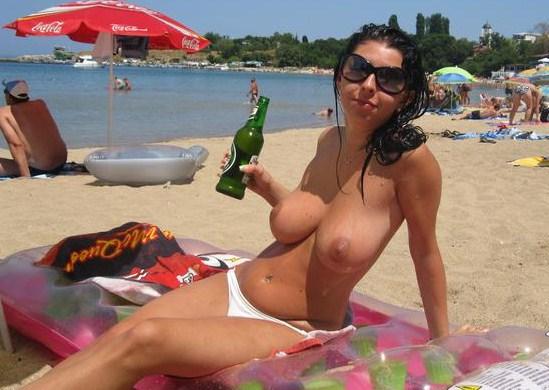 сиськи на пляжах фото