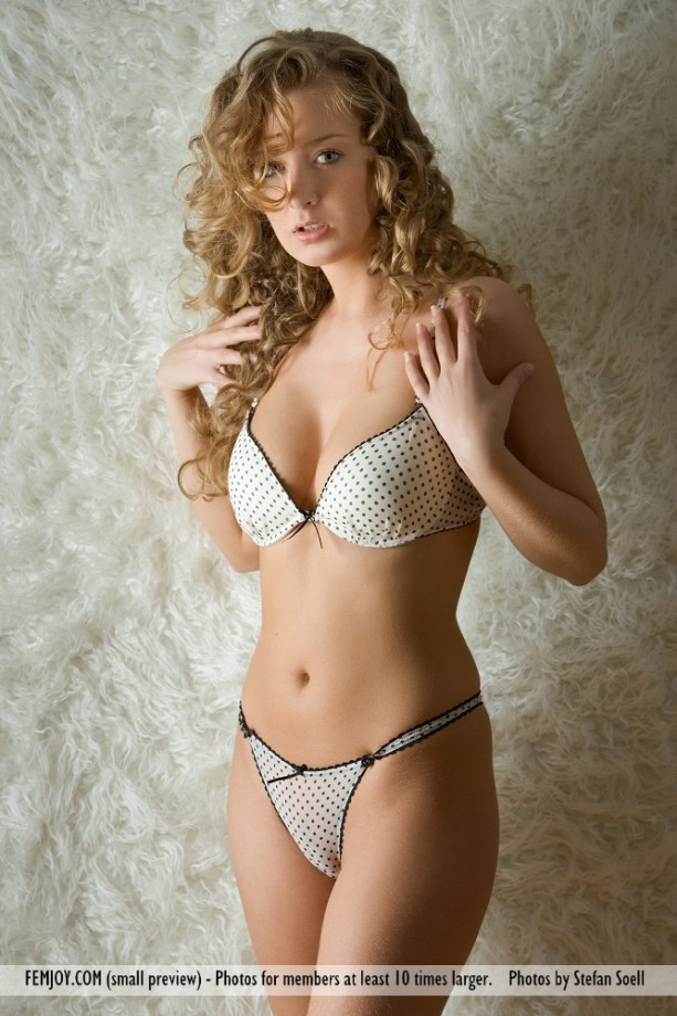 Gallery Kinga Golden Curls Picture 438683 Gallery