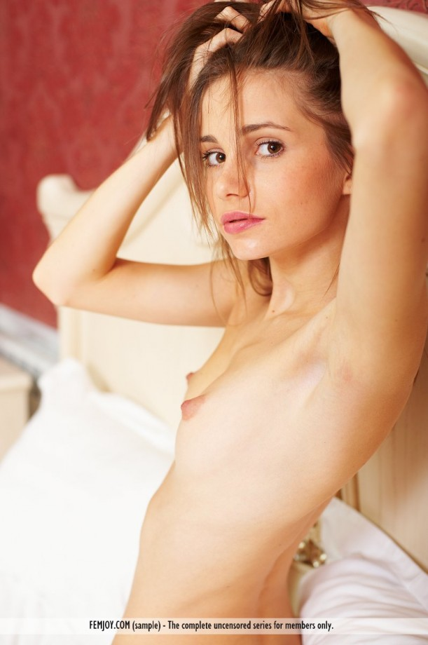 Very young webcam girl play poesy 8