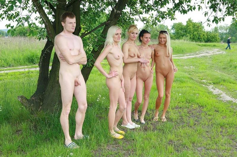 Веселые голые девки фото 81403 фотография