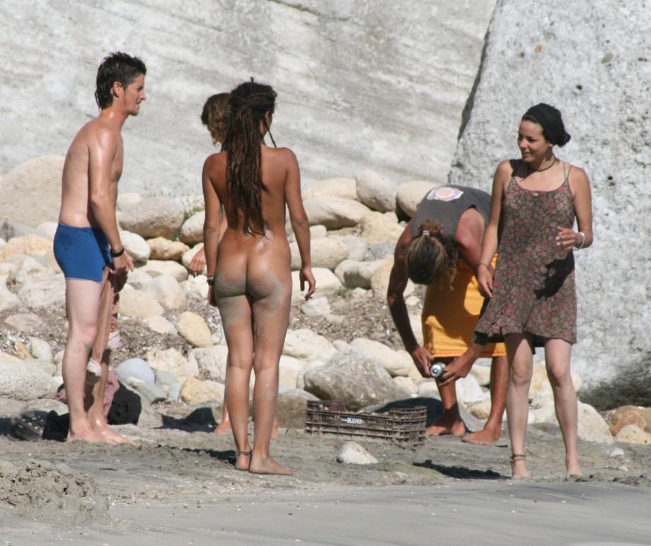 фото голых на пляжах мира