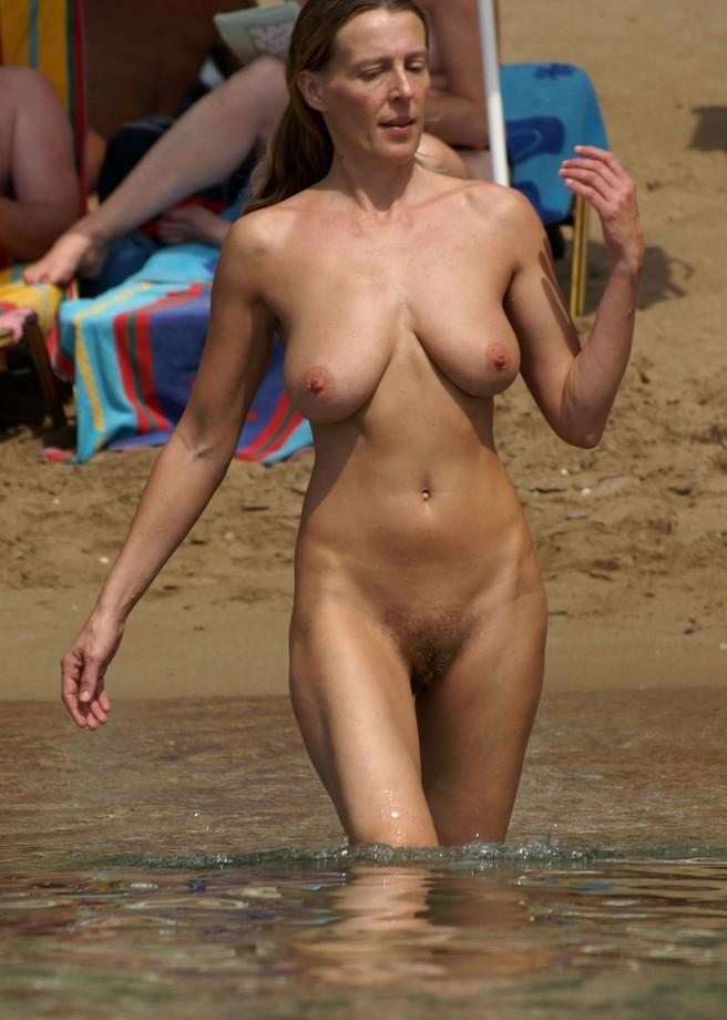 nudisti-bikini