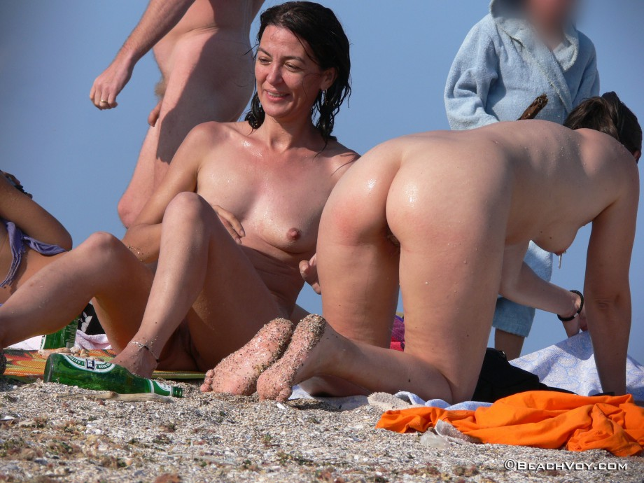 nude voyeur beach pictures № 50001