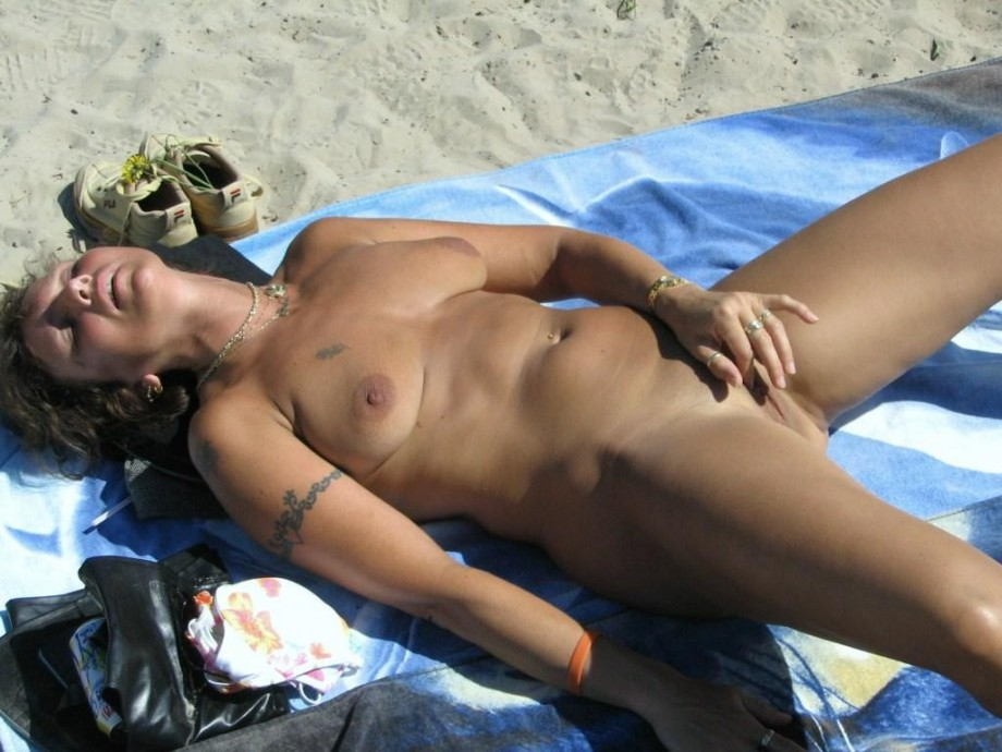 Hairy solo mature spreads