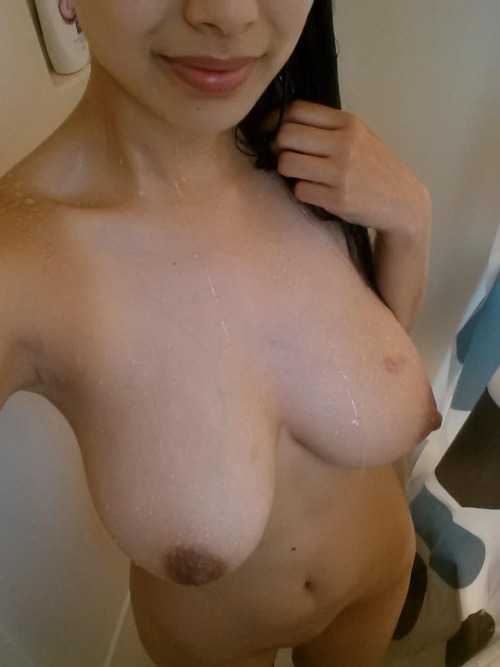 Busty Asian girl naked selfshot in shower